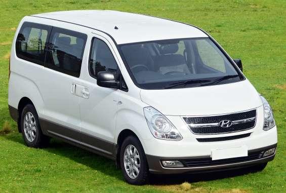Alquilo mini vans transmisión mecánica full equipo en guayaquil con tarjeta de credito.