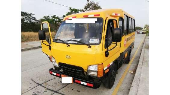 Vendo buseta escolar expreso hyundai hd 65