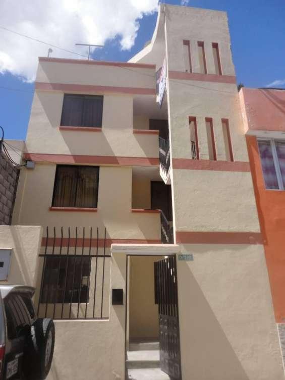 Vendo casa rentera con 3 departamentos independientes