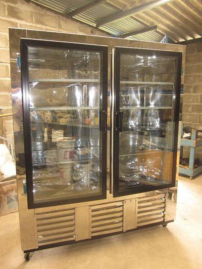 Imcar vende frigorífico vertical de dos puerta