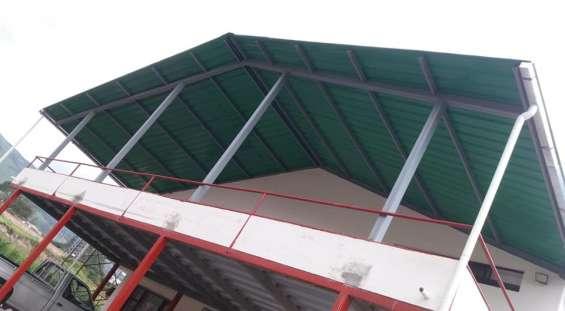 Construccion de estructuras metalicas y reparacion de techos dentro y fuera de la ciudad